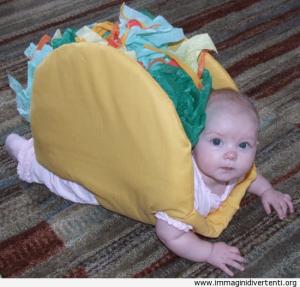 si-tratta-di-un-bambino-vestito-come-un-taco